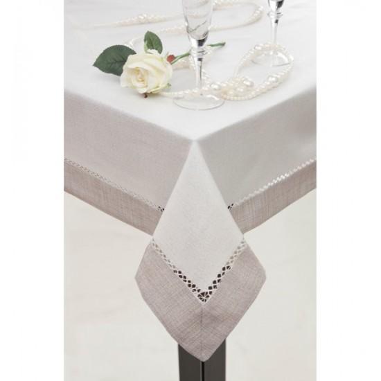 Béžovo strieborný obrus na jedálenský stôl