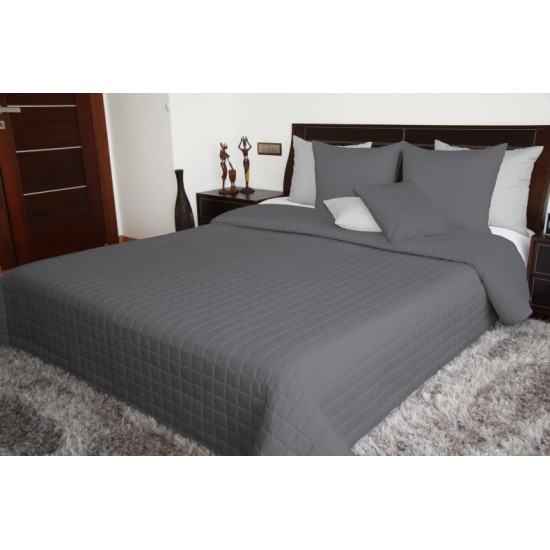 Tmavosivý obojstranný prehoz na posteľ so štvorčekovým prešívaním