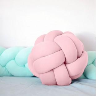 Bavlnený pletený uzlíkový vankúšik v tvare lopty ružovej farby