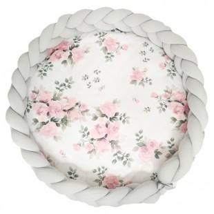 Podložka pre deti s kvetinovým vzorom a sivým ochranným vrkočovým vankúšom