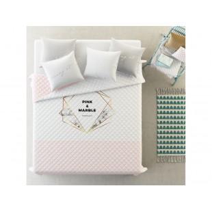 Moderný svetloružový prehoz na posteľ s mramorovým vzorom