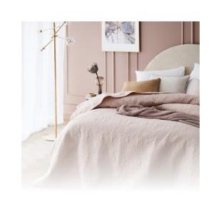 Dekoračné prehozy na posteľ